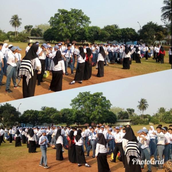 Siswa siswi SMK Grafika Tangerang sedang menjalani Latihan Dasar Kepemimpinan